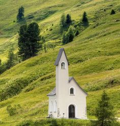 Grödnerjoch - Kapelle by Wolfgang Staudt, via Flickr Süd-Tirol