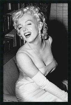 Marilyn Monroe Smiling by unknown Framed Amanti Art,http://www.amazon.com/dp/B00GMXR6QA/ref=cm_sw_r_pi_dp_p-2Ftb0MGQ5Y7NM6