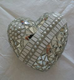 Heart mosaic mirror and pearls