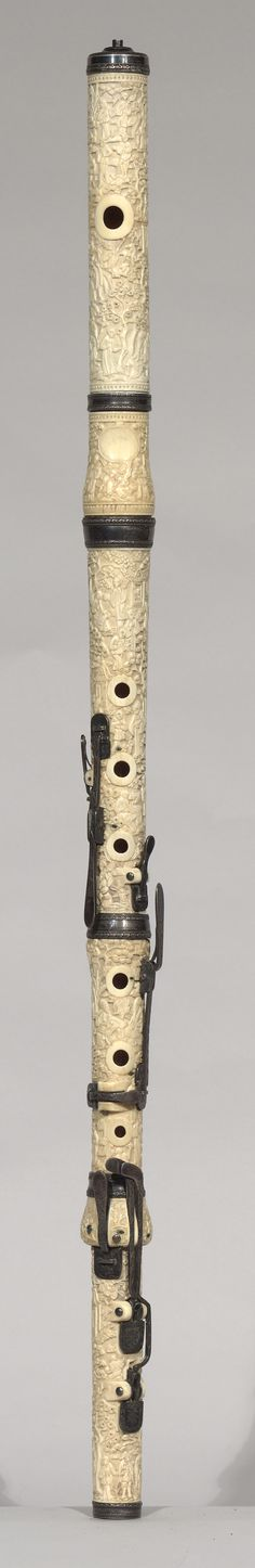 Carved ivory flute (England 19th C.)