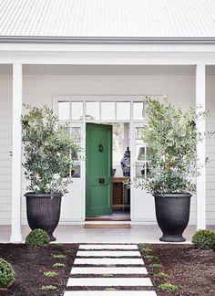 Front Door Plants, Green Front Doors, Front Door Colors, Blue Doors, Passive Solar, Melbourne, Estilo Hampton, Country Style Magazine, Weatherboard House