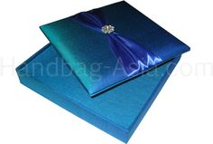 You like modern color schemes for your wedding and need the suitable wedding invitation box to give your wedding a modern but luxury touch from the beginning? Try Dark Turquoise Silk Invitation Boxes from NANGFA