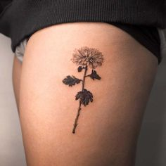 Forget About Your Zodiac Sign — These Gorgeous Birth Flower Tattoos Are So Much Better – tattoos for women half sleeve Upper Half Sleeve Tattoos, Half Sleeve Tattoos Designs, Tattoos For Women Half Sleeve, Tattoo Designs, Hand Tattoos, Finger Tattoos, Small Tattoos, Tattoo Ink, Tattoos Pics