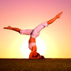 How to stand on your head: http://www.fitsugar.com/How-Do-Headstand-Yoga-18931450#photo-18938678
