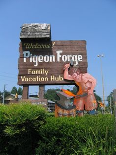 Welcome to Pigeon Forge, Enjoy your stay.  #Pigeon forge #Historic signs #Smoky mountains