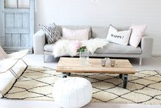 Like this idea.Grey couch with beni ouarain My Living Room, Living Room Decor, Living Spaces, Homeless Housing, Nordic Interior Design, Cozy Couch, E Room, Grey Couches, Dream Apartment