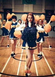 Shared by - L. Find images and videos about riverdale, madelaine petsch and cheryl blossom on We Heart It - the app to get lost in what you love. Riverdale Netflix, Riverdale Memes, Riverdale Cast, Cheryl Blossom Riverdale, Riverdale Cheryl, Vanessa Morgan, Films Netflix, Netflix Time, Riverdale Characters