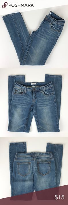 b469f5d1d36 Xhilaration denim straight leg jeans Brand: Xhilaration Size: 5 Type:  medium denim wash