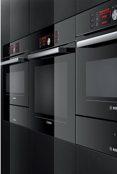 Bosch built-in appliance collection with the black glass surfaces projects elegance and quality. Your sleek and aesthetically pleasing black built-in oven Built In Kitchen Appliances, Kitchen Appliance Storage, Home Appliances, Farmhouse Style Kitchen, Modern Farmhouse Kitchens, Home Kitchens, Country Kitchen, Studio Kitchen, Kitchen Design