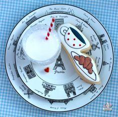 cafe et croissant decorated cookies