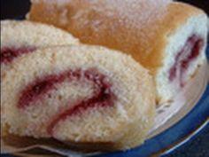 Sponge cake recipe - Swiss roll Cake Roll Recipes, Sponge Cake Recipes, Strawberry Swiss Roll Recipe, Yule Log, Rolls Recipe, Kid Friendly Meals, Eat Cake, Kids Meals, Swiss Rolls