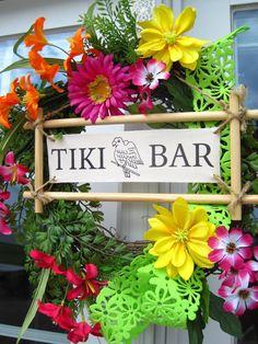 hawaiian bedroom idea love this wreath for a door (maybe we& change it to say Tiki hut and not bar! Hawaiin Theme, Hawaiian Luau Party, Hawaiian Tiki, Tropical Party, Tropical Pool, Hawaiian Bedroom, Tiki Hawaii, Tiki Party, Party Party