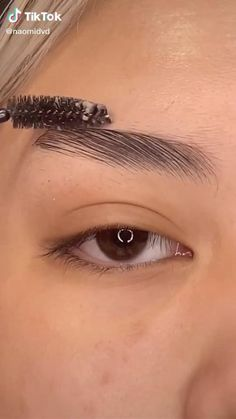 Eyebrow Makeup Tips, Edgy Makeup, Makeup Eye Looks, Contour Makeup, Smokey Eye Makeup, Skin Makeup, Eye Makeup Art, Winged Eyeliner, Maquillage On Fleek