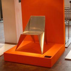 Lieblingsstuhl Exhibition June 2013 - Aluminium Chair Bauhaus Art, Poul Kjaerholm, Original Design, Marcel Breuer, Young Designers, Chair Design, Vintage Designs, June, Traditional