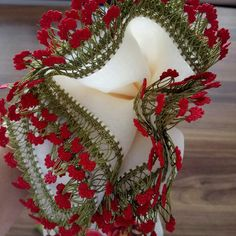 Bead Crochet, Irish Crochet, Crochet Motif, Crochet Stitches, Crochet Borders, Crochet Flower Patterns, Crochet Flowers, Dulhan Mehndi Designs, Point Lace