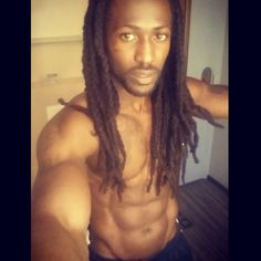 We've rounded up more than a dozen handsome Instagrammers from around the world who give locs a great name. Get ready for 17 pieces of eye candy! | Page 2