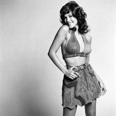 Model/actress Barbi Benton poses for the camera in Los Angeles, Vintage Hollywood, Classic Hollywood, Barbi Benton, Vintage Burlesque, Pose For The Camera, The Most Beautiful Girl, Beautiful Women, Famous Women, Celebs