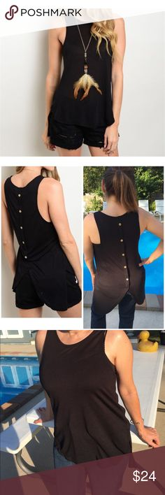 📍Price Drop📍Black Knit Top Black Knit Top  Sleeveless Black knit top features a round neckline and relaxed fit  🌺 Material: 100% Micromoda           A very soft knit fabric 🌺 Faux button down look on back   *** Necklace not included Beach Wave Tops