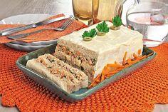 Aprenda esta receita de Bolo salgado com creme de atum, que além de delicioso, é muito fácil e rápido de fazer e toda sua família vai adorar!
