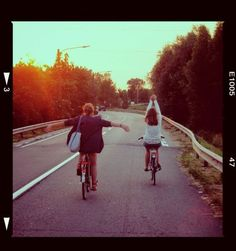 girls, fun and road image on We Heart It City Aesthetic, Summer Aesthetic, Travel Aesthetic, Psalm 34, Teen Summer, Summer Dream, Character Aesthetic, Main Character, Best Friend Pictures