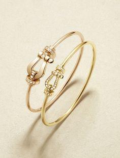 All gold pipe cushion bangle Bangle Bracelets With Charms, Diamond Bracelets, Gold Bangles, Fashion Bracelets, Diamond Jewelry, Gold Jewelry, Jewelery, Fashion Jewelry, Stylish Jewelry