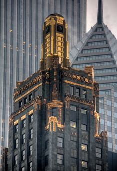 One of the most impressive buildings,  the Carbon & Carbide Building in Chicago. It is like a giant shiny gem amongst all the stone and glass Michigan Avenue. Completed in 1929, this building is made of light polished black granite, with the tower covered in a green terra cotta.