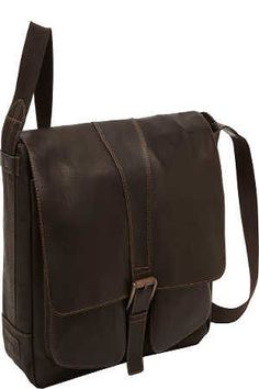 We are committed to giving you some detailed descriptions of the bags and the reasons why you need to have this kind. Cool Messenger Bags, Franklin Covey, Tote Handbags, Travel Bags, Satchel, Shoulder Bag, Brown, Stuff To Buy, Searching