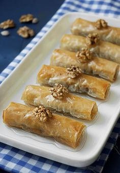 absolutely adore baklava, maybe these would be equally as delicious? Yummy Treats, Delicious Desserts, Sweet Treats, Dessert Recipes, Yummy Food, Dessert Bars, Yummy Recipes, Phyllo Dough Recipes, How Sweet Eats