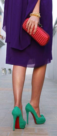 Bottega Veneta clutch. Love the color contrasts. swoon!