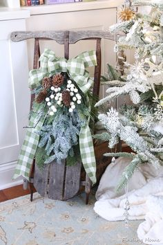 Vintage-Sled-Decorating-for-Christmas