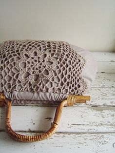 Hey, I found this really awesome Etsy listing at https://www.etsy.com/pt/listing/82087053/linen-crochet-doily-lace-wood-bag-mori