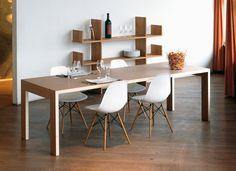 Das Label tossa steht für unsere Möbelkollektion, die sich durch reduzierte Formen und zeitloses Design auszeichnet. Seit 1994 sind wir spezialisiert auf die Produktion qualitativ hochwertiger Möbelstücke aus europäischem Massivholz. mesa11: Tisch für Wohn- oder Arbeitsbereich.Aus Massivholz, in zehn verschiedenen Holzarten und aus stehend verleimtem Multiplex. Materialstärke ca. 40 mm. Geölt. Wird auf jedes Wunschmass hergestellt, rechteckig oder quadratisch.Table for home or work.Made of…