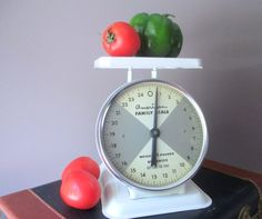 Mid Century American Family Kitchen Scale by MagellansBellyStudio