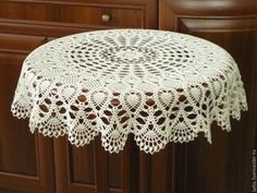 1000 Images About Tejidos On - Diy Crafts - maallure Crochet Table Topper, Crochet Tablecloth Pattern, Crochet Doily Rug, Free Crochet Doily Patterns, Crochet Dollies, Thread Crochet, Crochet Designs, Diy Crafts New, Diy Crafts Crochet