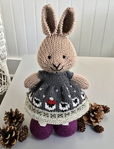 Watch This Video Incredible Crochet a Bear Ideas. Cutest Crochet a Bear Ideas. Knitted Bunnies, Knitted Animals, Knitted Dolls, Bunny Rabbits, Crochet Toys Patterns, Knitting Patterns Free, Loom Knitting, Baby Knitting, Little Cotton Rabbits