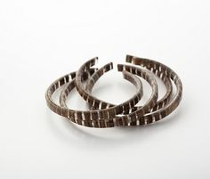 Banana fibre bangle. Upcycled Jewelry. Moda sostenible.