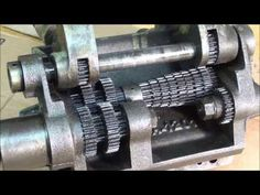Lathe Machine, Machine Tools, Lathe Operations, Small Lathe, Diy Lathe, Bathroom Sink Design, Router Projects, Mechanical Engineering, Box Design