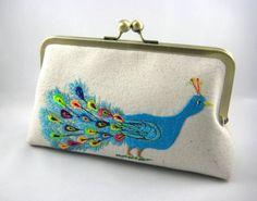 Peacock  Embroidered Clutch por MISMA en Etsy