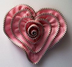 crafty jewelry from zippers #crafts and creations | http://craftsandcreationsideas74.blogspot.com