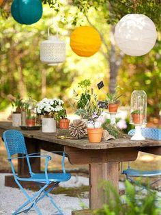 Lámparas para iluminar una mesa de jardín