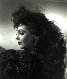Fabulous photo of Loretta Young, 1930s