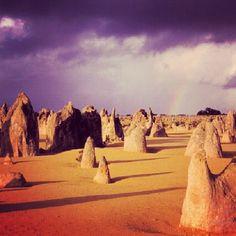 ピナクルズ オーストラリアにある原生林の跡。砂漠に無数の岩が立ち並ぶ。 - @his_japan- #webstagram