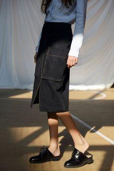 """Size + Fit: - HIgh waist fit - Zipper on back, front pockets, front slit - US Size: S-4 / M-6 / L-8 - EUR Size: S-36 / M-38 / L-40 - Length: 24.8"""" / 63cm - Waist: 26.0"""" / 66cm - Model is wearing size"""