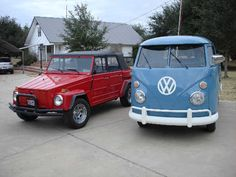 Dad's VW collection.....A 1974 Thing and a single cab 1962 VW truck.  Cute, eh?