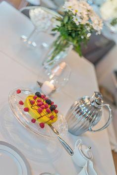 FINN – ALEXANDER KIELLANDS PLASS - Lekker 3(4)-r loftsleilighet med herlig vinterhage, mulighet for peis og 90 kvm gulvareal! Modern Kitchen Design, Stuff To Do, Table Decorations, Dinner Table Decorations, Contemporary Kitchen Design
