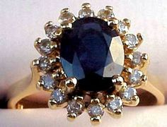 Princess Diana Engagement Ring ~ given to Kate Middleton by Prince William at their engagement. Kate Middleton Ring, Kate Middleton Engagement Ring, Princess Diana Engagement Ring, Royal Engagement Rings, Princess Diana Wedding, Celebrity Engagement Rings, Antique Engagement Rings, Princess Kate, Wedding Rings