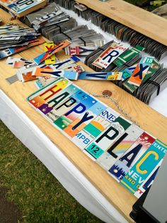I took a couple friends with me to the Maui Swap Meet, and here's what we found out: it's kind of awesome. After Hawaii souvenirs? Look no further.