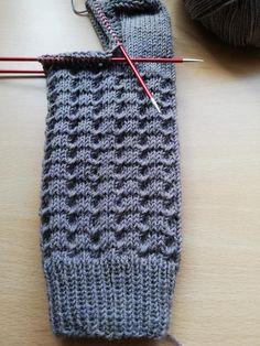 Easy Knitting, Knitting Needles, Knitting Socks, Knitting Patterns, Crochet Patterns, Tricot Simple, String Bag, Needlework, Free Pattern
