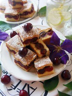 Cseresznyés lepény Hungarian Cake, Hungarian Recipes, Hungarian Food, Izu, Waffles, French Toast, Breakfast, Healthy, Diets