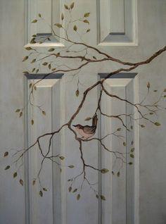 Festett ajtók. Motívummal festett ajtó.